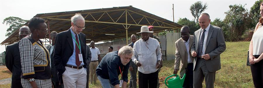 Mapei con Renzo Piano ed Emergency in Uganda